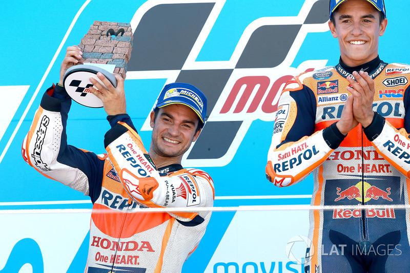 Podium: ganador, Marc Márquez, Repsol Honda Team, segundo, Dani Pedrosa, Repsol Honda Team