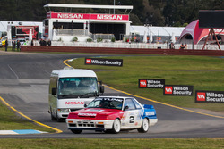 1990 Nissan Skyline GT-R R31 and Nissan circuit safari bus