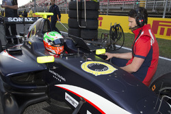 Leonardo Pulcini, Arden International on the grid before Race two