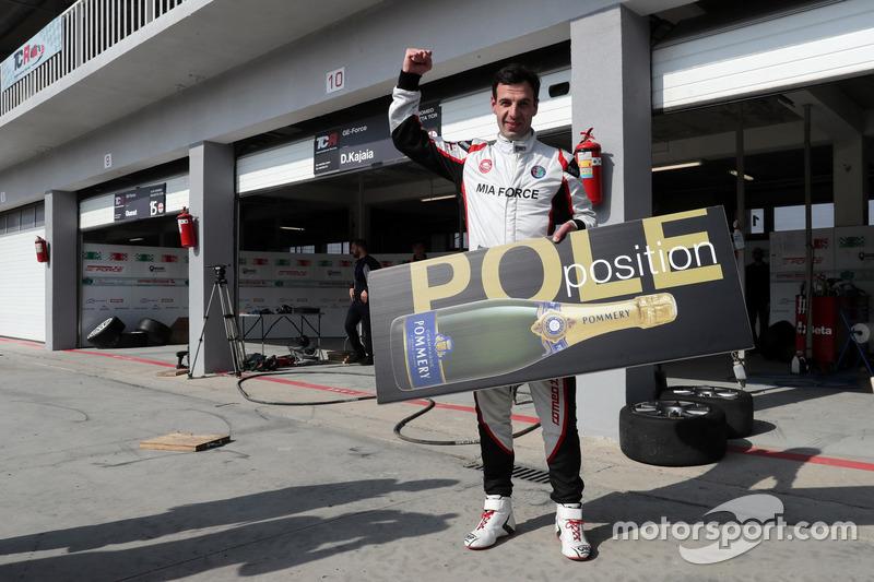 Polesitter: Davit Kajaia, GE-Force, Alfa Romeo Giulietta TCR