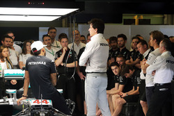 Lewis Hamilton, Mercedes AMG F1; Toto Wolff, Mercedes AMG F1 Shareholder and Executive Director; Pad