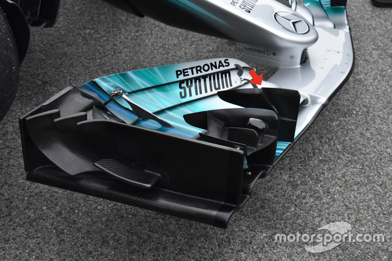 Mercedes AMG F1 W08, r-подібний каскад переднього антикрила
