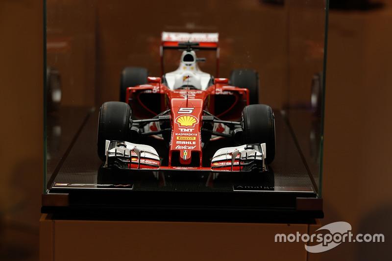 Модель Ferrari SF16-H від Amalgam
