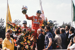 Podyum: 1. Niki Lauda, Ferrari, 2. Clay Regazzoni, Ferrari, 3. Jacques Laffite