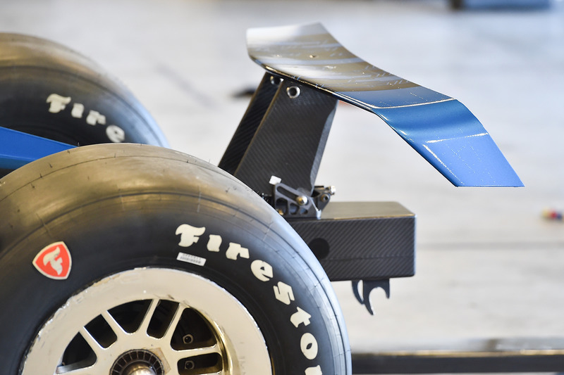 Машина IndyCar 2018 року з двигуном Chevrolet