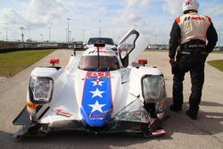 Crash, #81 DragonSpeed ORECA 07: Henrik Hedman, Nicolas Lapierre, Ben Hanley, Loic Duval