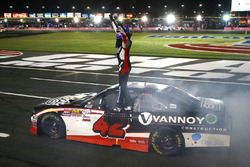 Race winner Alex Bowman, Chip Ganassi Racing Chevrolet