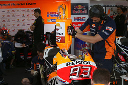 Механик Repsol Honda Team