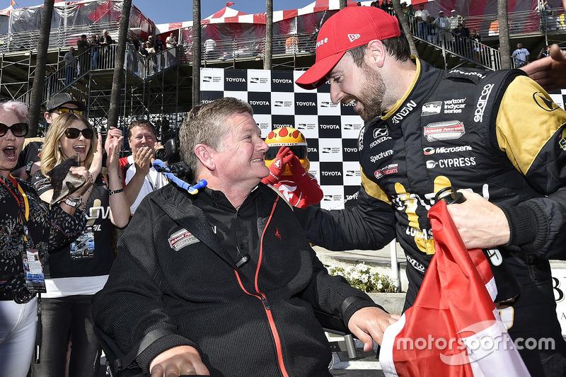 1. James Hinchcliffe, Schmidt Peterson Motorsports, Honda, mit Sam Schmidt