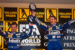 Podium: winner Nigel Mansell, Williams, second place Riccardo Patrese, Williams