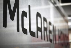 Логотип McLaren Honda