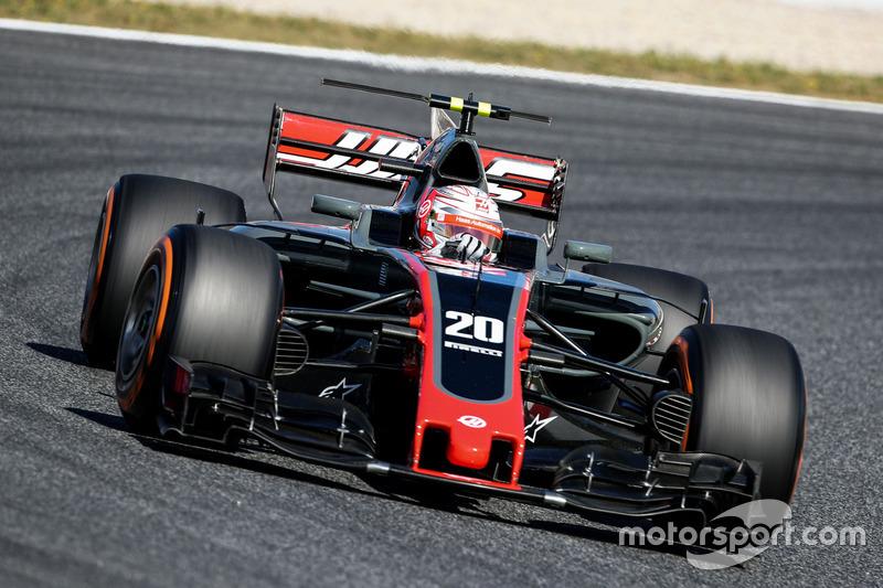15. Kevin Magnussen, Haas VF-17