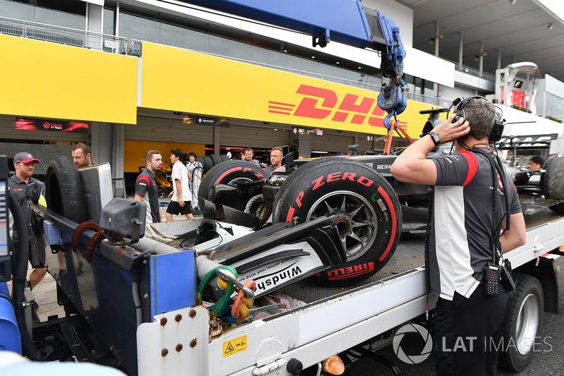 El coche accidentado de Romain Grosjean, Haas F1 Team VF-17