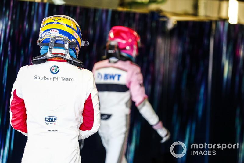 Marcus Ericsson, Sauber, di belakang Esteban Ocon, Racing Point Force India