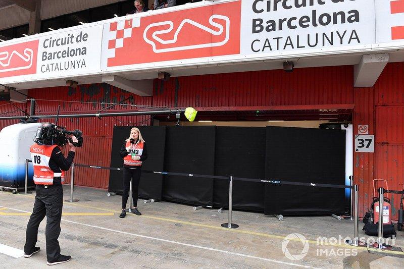 Williams Racing garage and screens