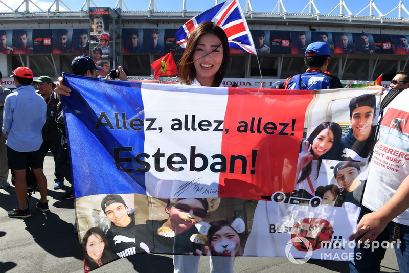 Esteban Ocon, Racing Point Force India F1 Team fans and banner