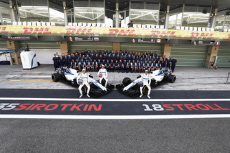 La foto di gruppo del team Williams Racing