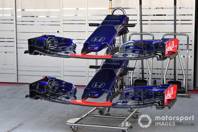 Scuderia Toro Rosso STR13 nariz y alerones delantero
