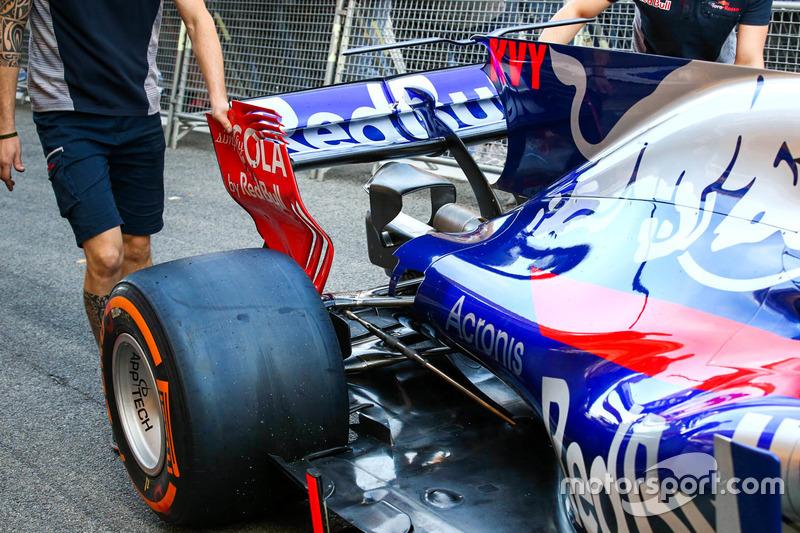Задня частина Scuderia Toro Rosso STR12