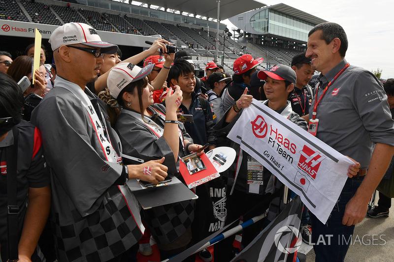 Уболівальники Haas F1, керівник Haas F1 Team Гюнтер Штайнер