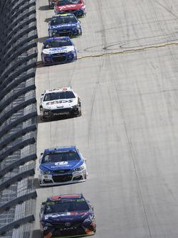 Denny Hamlin, Joe Gibbs Racing Toyota, Dale Earnhardt Jr., Hendrick Motorsports Chevrolet, Landon Cassill, Front Row Motorsports, Ford Fusion