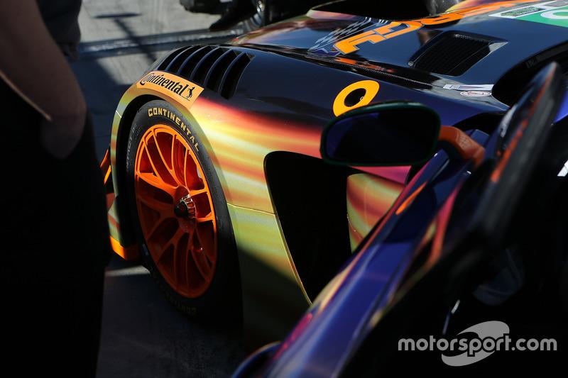 Detalle del #75 SunEnergy1 Racing Mercedes AMG GT3: Boris Said, Tristan Vautier, Kenny Habul, Maro Engel