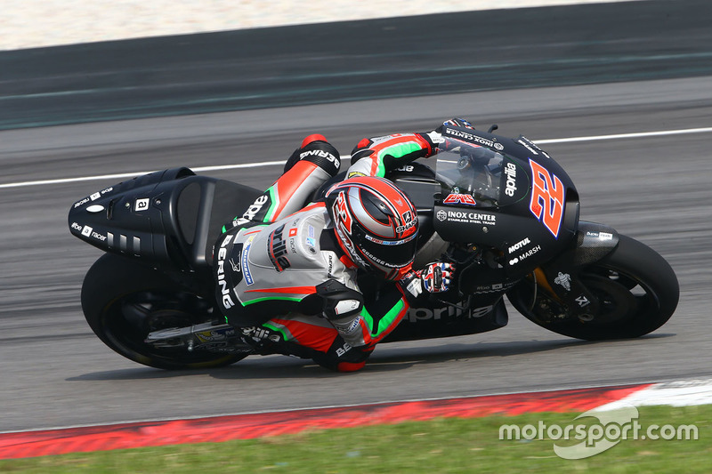 Sam Lowes: P23 1.973