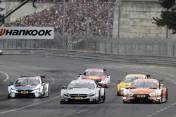 Gary Paffett, Mercedes-AMG Team HWA, Mercedes-AMG C63 DTM, Jamie Green, Audi Sport Team Rosberg, Audi RS 5 DTM, Tom Blomqvist, BMW Team RBM, BMW M4 DTM