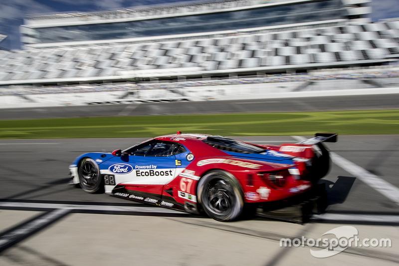 #67 Chip Ganassi Racing Ford GT: Ryan Briscoe, Richard Westbrook, Scott Dixon