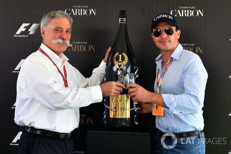 Chase Carey, Director Ejecutivo y Presidente Ejecutivo de Formula One Group y Alex Mea