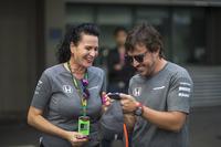 Fernando Alonso, McLaren and Silvia Hoffer Frangipane, McLaren Press Officer