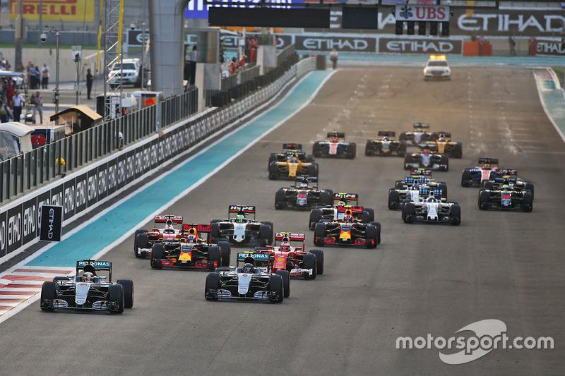 Lewis Hamilton, Mercedes AMG F1 W07 Hybrid líder al inicio