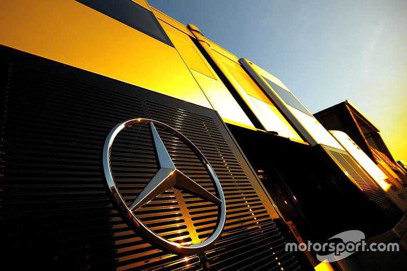 Motorhome: Mercedes AMG F1