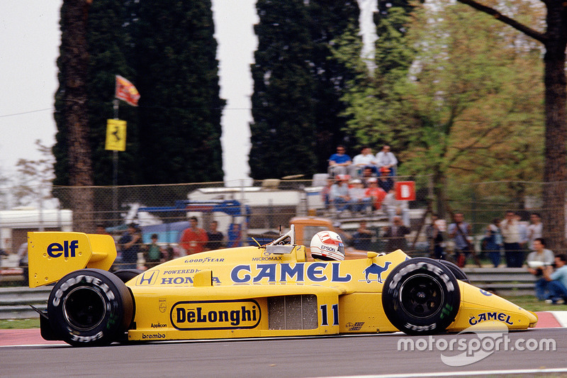 #11: Satoru Nakajima, Team Lotus 99T, Honda