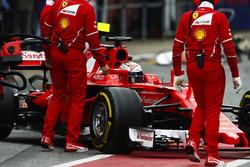 Кими Райкконен на пит-лейне, Ferrari