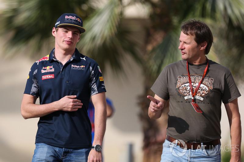 Макс Ферстаппен, Red Bull Racing, и Михаэль Шмидт, журналист