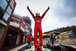 Il vincitore della gara Alfonso Celis Jr., Fortec Motorsports