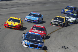 Ryan Newman, Richard Childress Racing Chevrolet, Clint Bowyer, Stewart-Haas Racing Ford