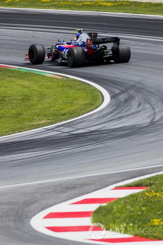 Carlos Sainz Jr., Scuderia Scuderia Toro Rosso STR12