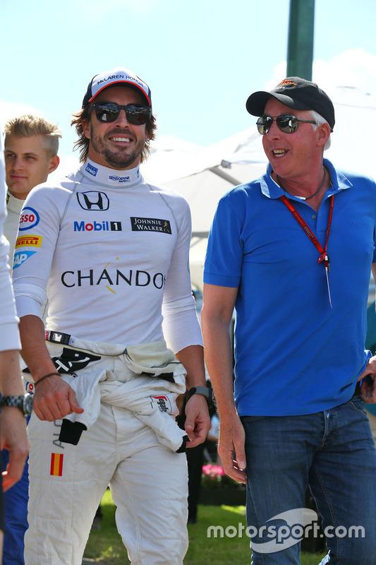 Fernando Alonso, McLaren met Keith Sutton