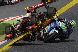 Moto2/GP2 illustration comparing the two series