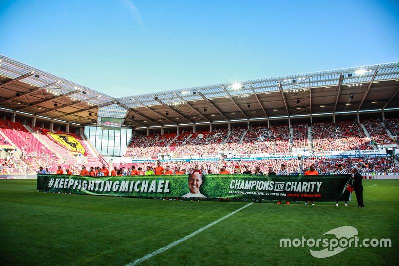 45: Перед матчем на підтримку Михаеля Шумахера, Майнц