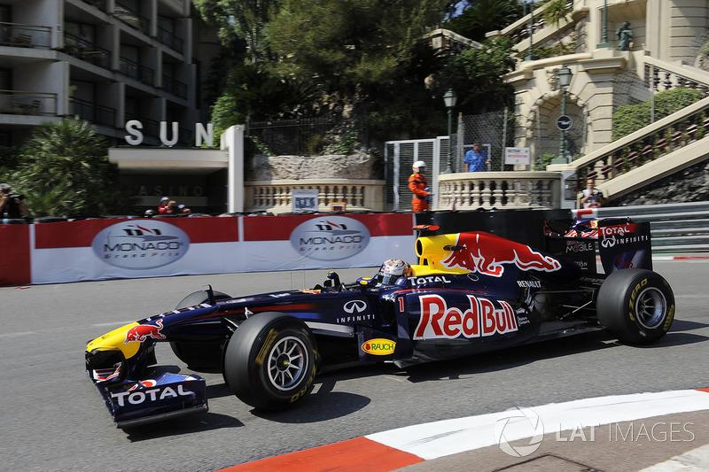 5 Red Bull RB7 - 2011