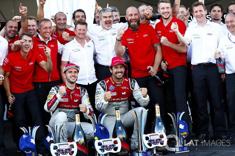 Perayaan juara tim Audi Sport ABT Schaeffler