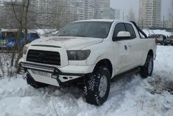 Велетенських розмірів Toyota Tundra Олександра Чигринського та Романа Мірошниченко