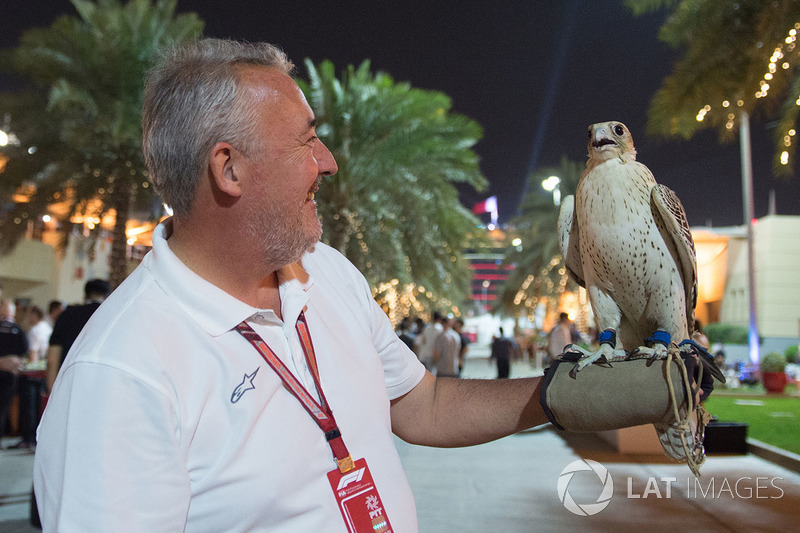 Mark Sutton, Sutton Images F1 Photographer and Falcon at Welcome Party