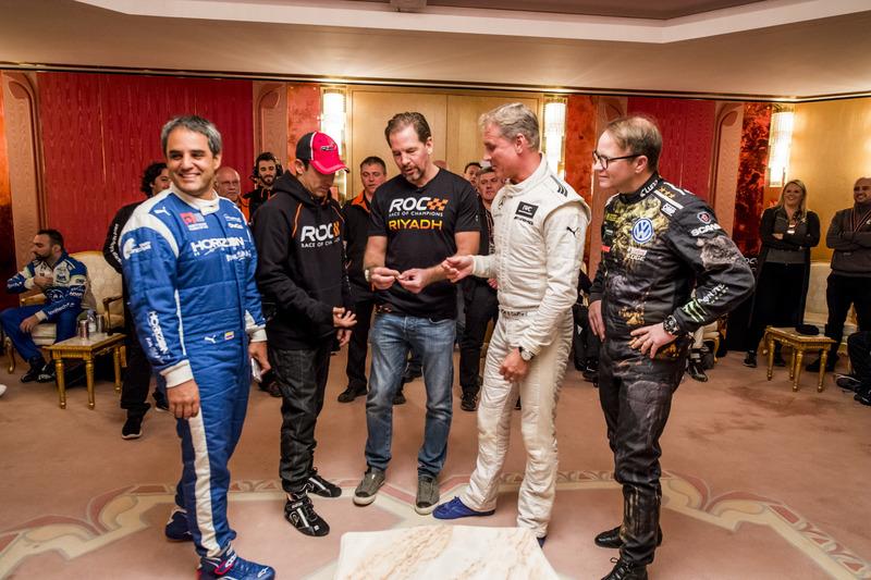 Fredrik Johnsson en un volado de Gamers vs Racers