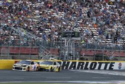 Chase Elliott, Hendrick Motorsports, Chevrolet Camaro SunEnergy1 William Byron, Hendrick Motorsports, Chevrolet Camaro Hertz