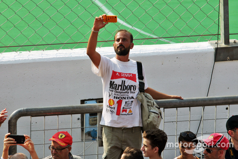 A fan with an old t-shirt