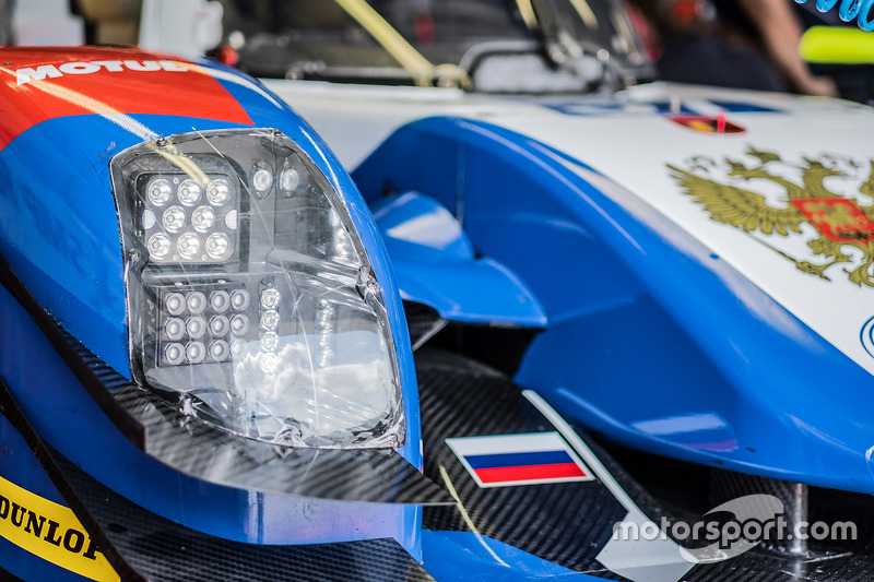 #37 SMP Racing BR01 - Nissan headlight detail